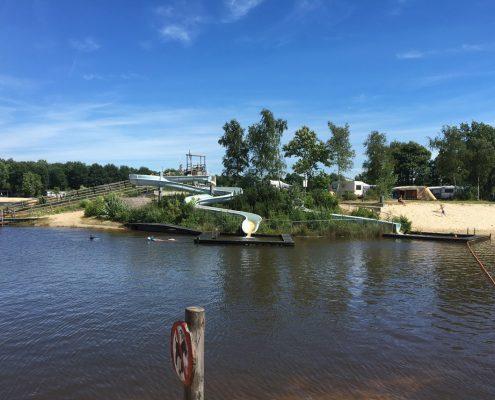 waterpark met glijbanen noordzeechalets stoetenslagh